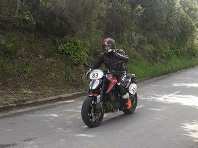 ktm 790 duke rallye routier Moto Tour Series Corse 2018
