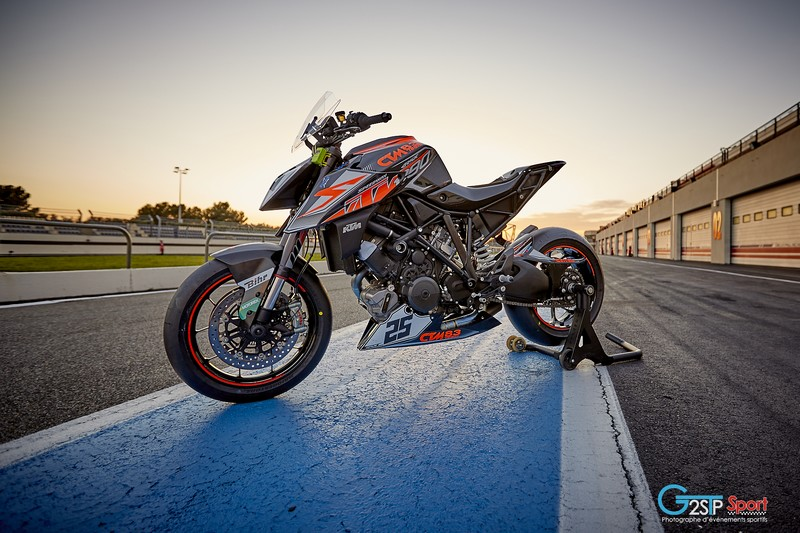 ktm 1290 super duke r michael fudala protwin super duke cup 2017
