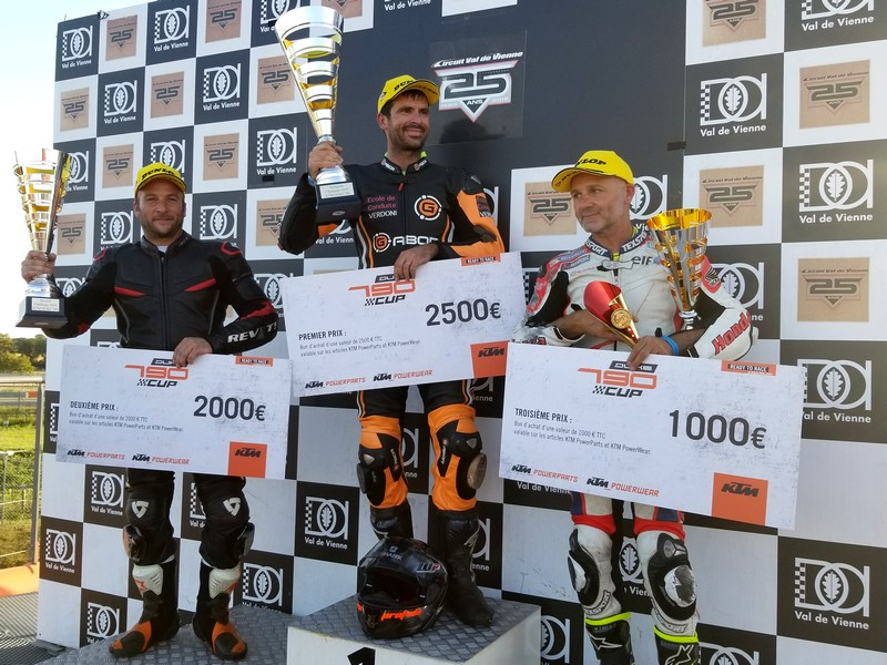 triple CTM 83 Team ktm 790 duke cup 2019